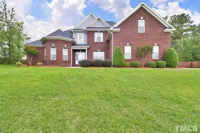 Fayetteville Single Family Home For Sale: 2708 Meadowmont Lane