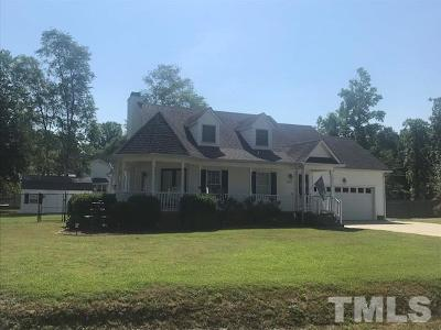 Single Family Home Pending: 220 Waters Edge Drive