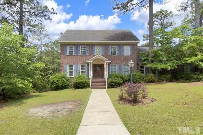 Fayetteville Single Family Home For Sale: 702 Southview Circle