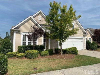 Cary Single Family Home For Sale: 822 Blackfriars Loop