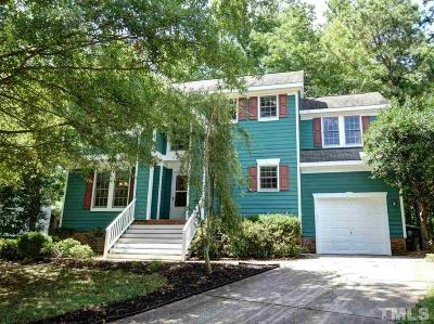 Cary Single Family Home For Sale: 208 Old Dock Trail