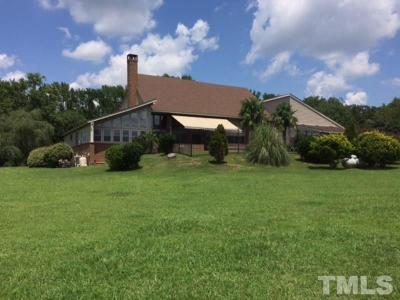 Lee County Single Family Home For Sale: 518 Chris Cole Road