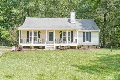 Johnston County Single Family Home For Sale: 108 Chatham Court