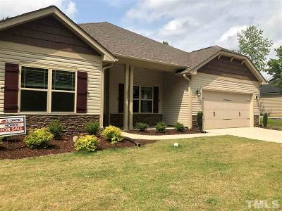 Lee County Single Family Home For Sale: 224 Glendale Circle