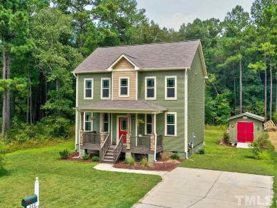 Johnston County Single Family Home For Sale: 202 Carissa Drive