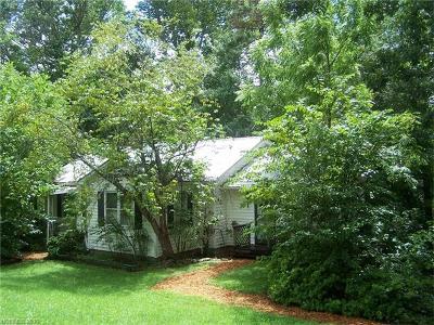 Single Family Home For Sale: 223 Buckeye Cove Road
