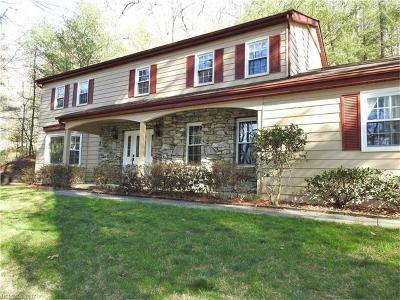Hendersonville Single Family Home For Sale: 220 Estate Drive #12