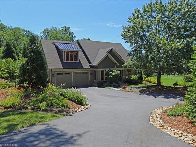 Waynesville Single Family Home For Sale: 66 Plateau Place