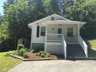 Hendersonville Single Family Home Under Contract-Show: 211 Big Pine Road