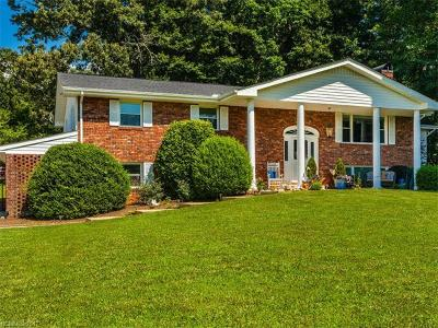 Pisgah Forest Single Family Home Under Contract-Show: 36 Still Meadow Drive