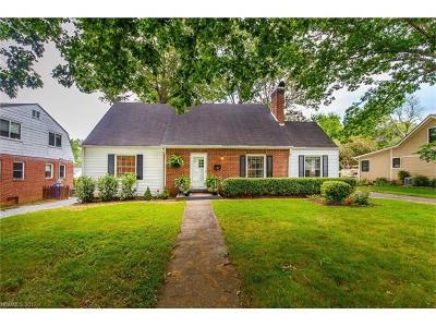 Brevard Single Family Home For Sale: 418 Maple Street
