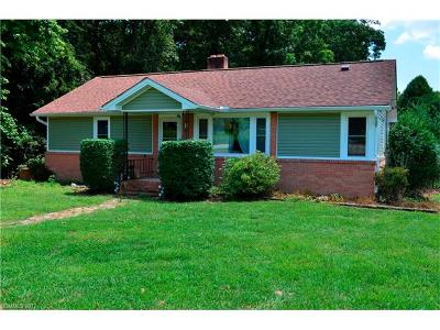 Hendersonville Single Family Home Under Contract-Show: 440 Ridge Road