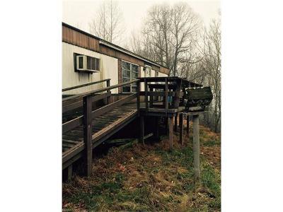 Hendersonville Manufactured Home For Sale: 330 Jamestown Lane