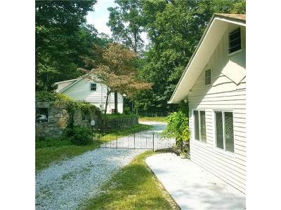 Hendersonville Single Family Home For Sale: 2043 Laurel Park Highway