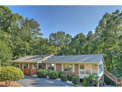 Hendersonville Single Family Home For Sale: 437 Deerhaven Lane