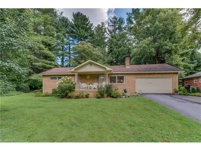 Hendersonville Single Family Home For Sale: 226 Lyndale Road