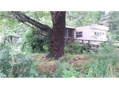 Hendersonville Manufactured Home For Sale: 93 Carolina Circle #5
