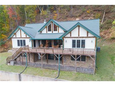 Waynesville Single Family Home For Sale: 136 Atunyote Ridge
