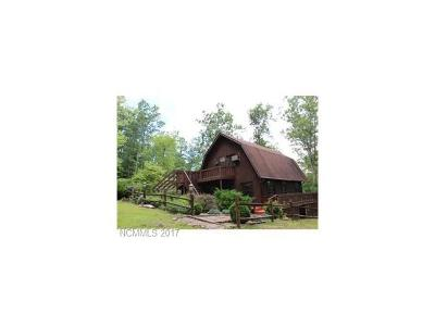 Hot Springs NC Single Family Home For Sale: $219,000