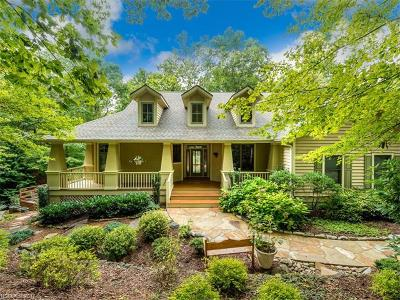 Hendersonville Single Family Home For Sale: 203 Chimney Crossing