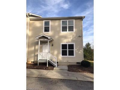 Asheville Condo/Townhouse For Sale: 408 Villas Court