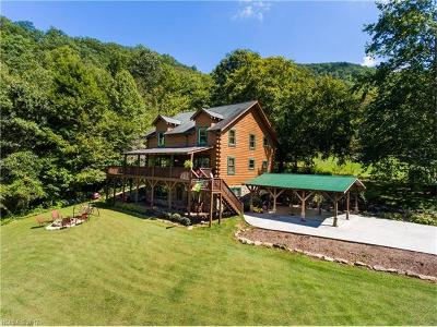 Waynesville Single Family Home For Sale: 445 Sequoyah Drive