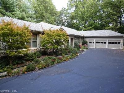 Hendersonville Single Family Home For Sale: 111 Bobby Jones Drive