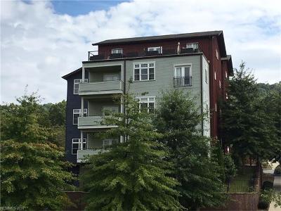 Asheville Condo/Townhouse For Sale: 400 Skyloft Drive #203