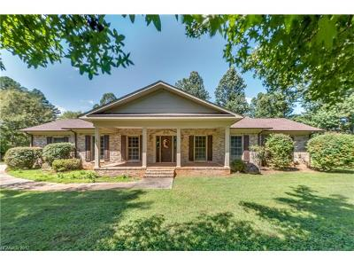 Lake Lure Single Family Home For Sale: 1561 Bills Creek Road