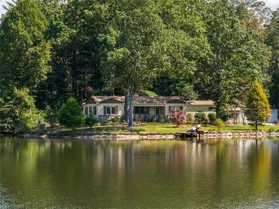 Hendersonville Single Family Home For Sale: 321 Lake Circle Drive