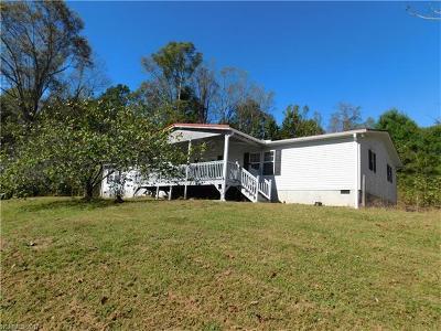 Hendersonville Manufactured Home For Sale: 466 Slick Rock Road