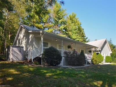 Hendersonville Single Family Home For Sale: 720 Chestnut Trail