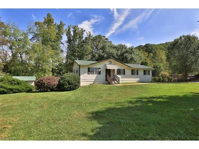 Waynesville Single Family Home For Sale: 71 Kathy Drive