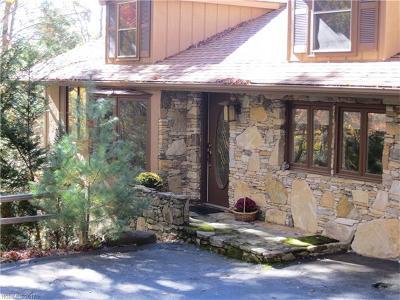 Brevard Single Family Home For Sale: 242 Wahuhu Court #L70AU19