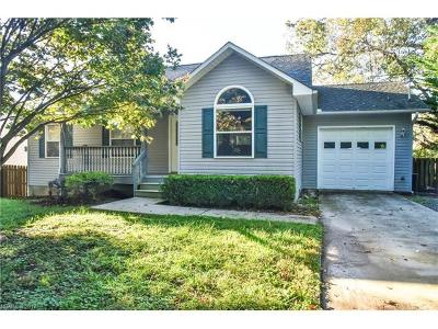 Black Mountain Single Family Home Under Contract-Show: 15 Avena Street