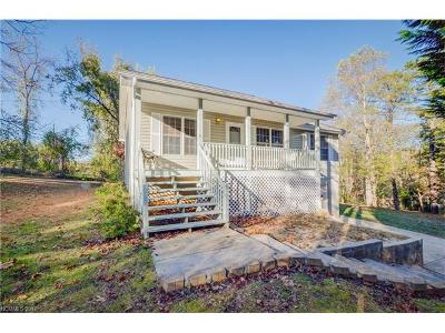 Hendersonville Single Family Home Under Contract-Show: 15 Lake Forest Lane
