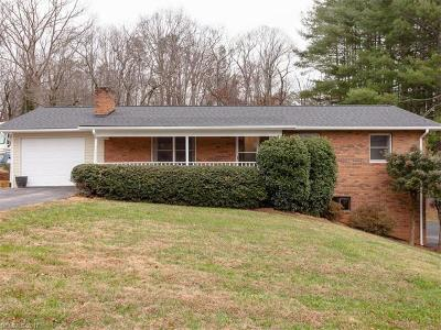 Asheville Single Family Home For Sale: 73 Dogwood Grove