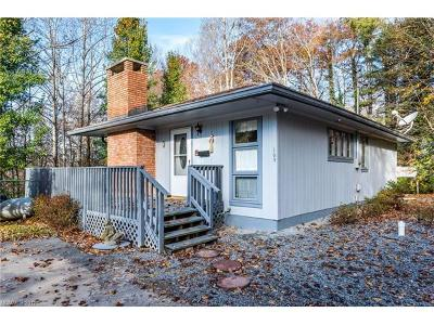 Hendersonville Single Family Home For Sale: 109 Limberlost Drive