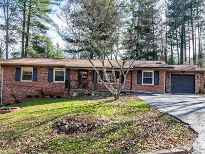 Hendersonville Single Family Home For Sale: 437 N Harper Drive