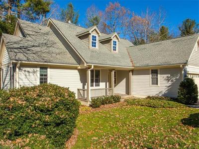 Hendersonville Single Family Home For Sale: 216 Williams Meadow Loop