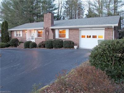Hendersonville Single Family Home For Sale: 1010 Carousel Lane
