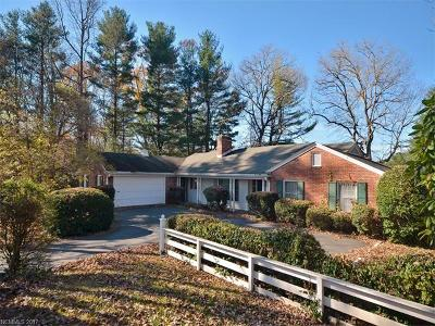 Hendersonville Single Family Home For Sale: 161 Rugby Forest Lane