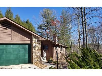 Hendersonville Single Family Home For Sale: 2000 Golfside Lane