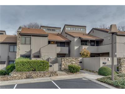 Hendersonville Condo/Townhouse For Sale: 7 Lakemoor Lane