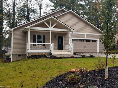 Hendersonville Single Family Home For Sale: 601 Pineland Road #17
