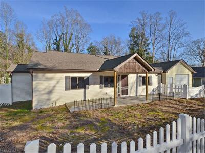 Hendersonville Single Family Home For Sale: 526 Midway Street
