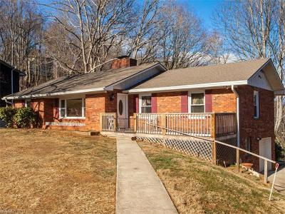 Asheville NC Single Family Home For Sale: $300,000