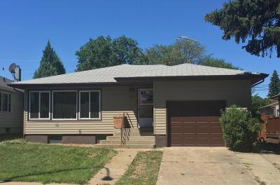 Dickinson Single Family Home For Sale: 813 3rd Ave W