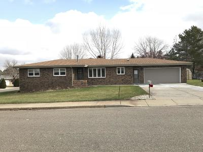 Dickinson Single Family Home Ros Contingency - Yes: 1274 15th W