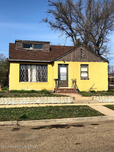 Dickinson Single Family Home For Sale: 345 4th W